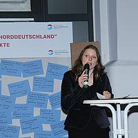 3 WHT17 Senatorin Dr  Melanie Leonhard