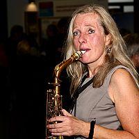 7 WHT17 Saxophonspielerin